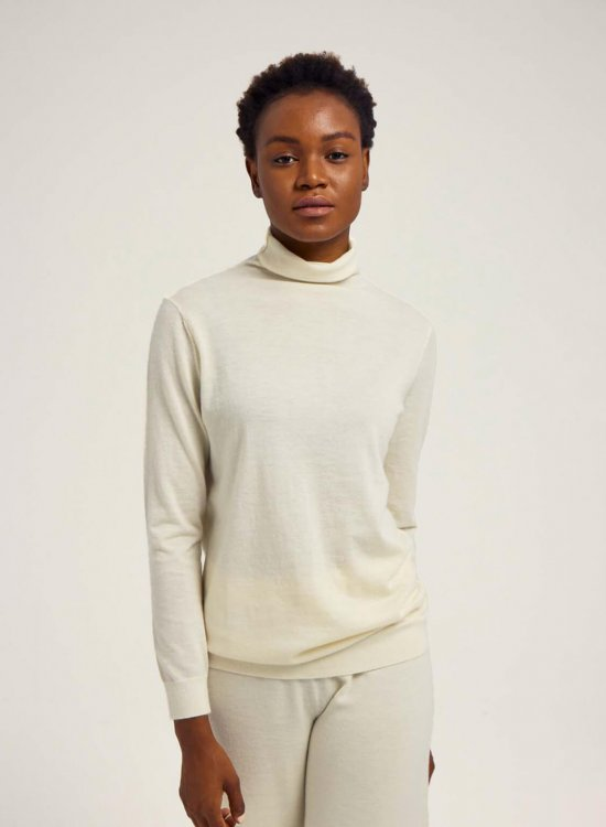 Worsted Cashmere Turtleneck Sweater